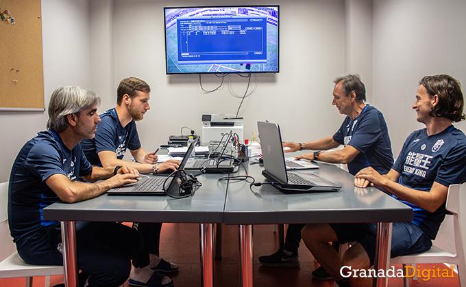 Entrenador Granada CF (13)