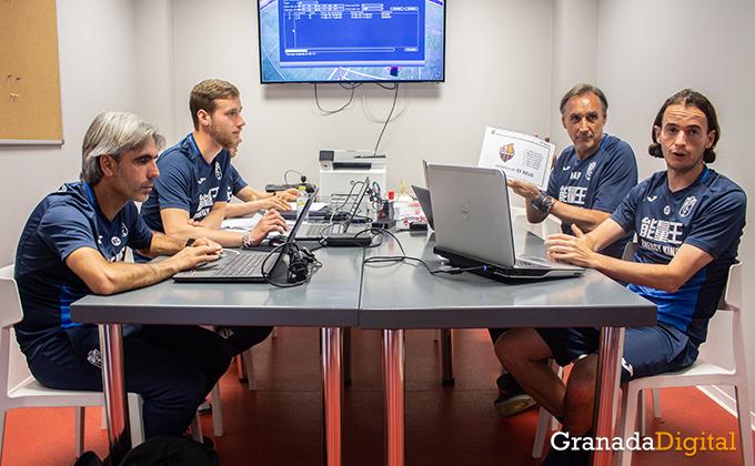 Entrenador Granada CF (18)