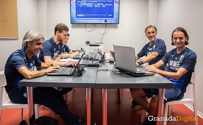 Entrenador Granada CF (19)