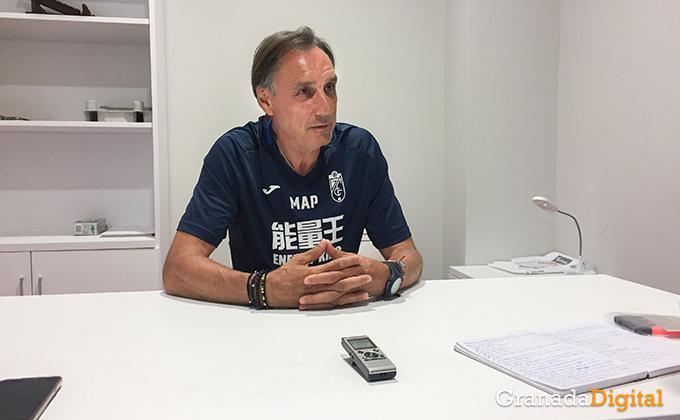 Entrenador Granada CF (22)