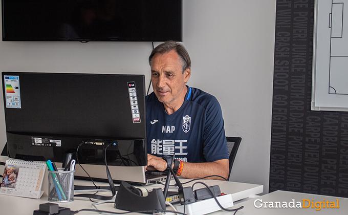 Entrenador Granada CF (4)