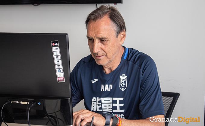 Entrenador Granada CF (9)