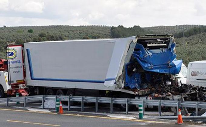 albolote-camion-accidente