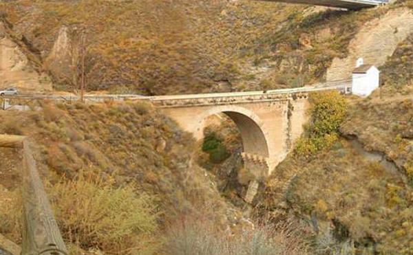 puente antiguo tablate