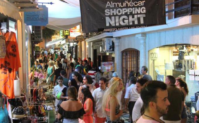 AMBIENTE COMERCIO ALMUÑECAR SHOPPING NIGHT 2017