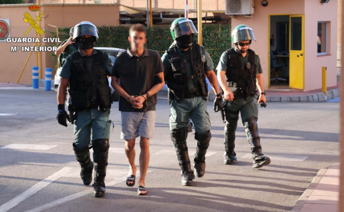 GUARDIA-CIVIL-ATRACO-GASOLINERAS