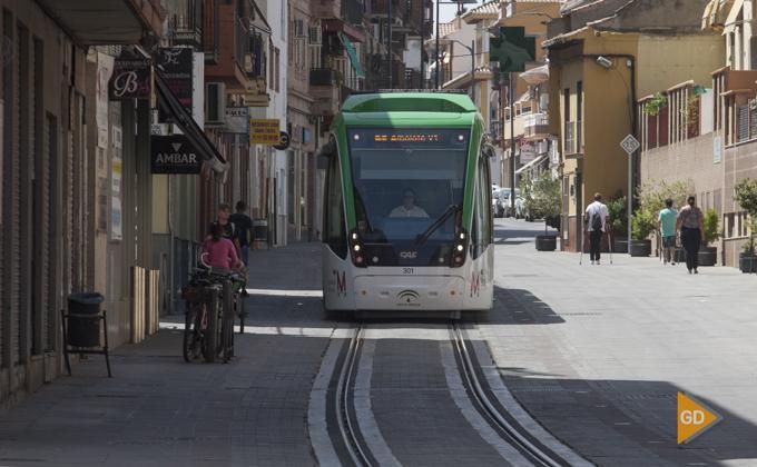 Metropolitano de Granada a su paso por Armilla
