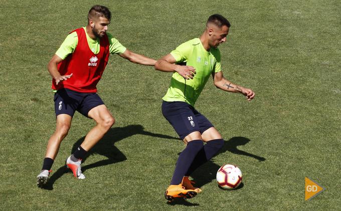 Entrenamiento del Granada CF Adri Castellano