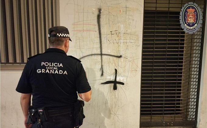 agente policia local pintada