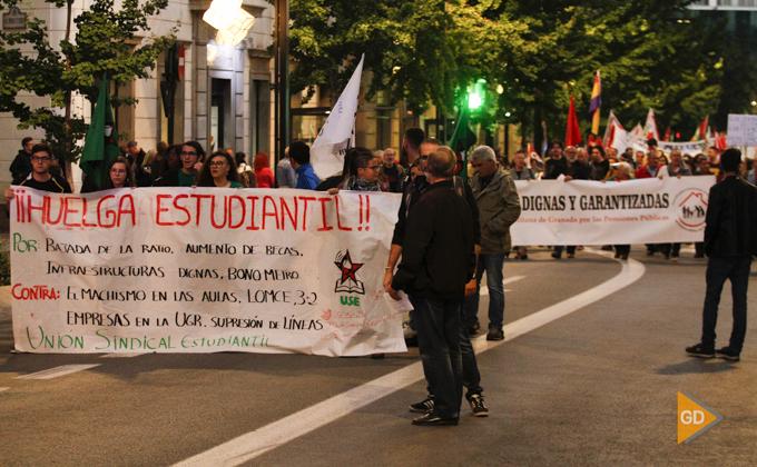 movilización de una plataforma integrada por numersos colectivos que reclaman derechos laborales, sociales y servicios públicos