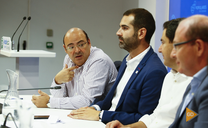 clausura la reunión del Consejo de Alcaldes de Granada y su provincia