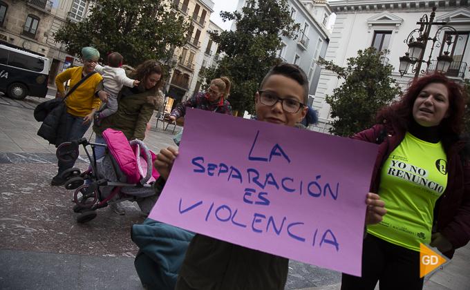 concentracion a favor de las madres en la plaza del carmen Foto Antonio L Juarez -9834