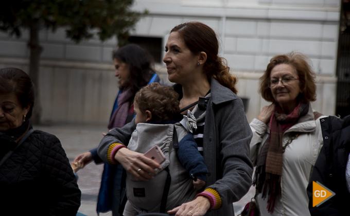concentracion a favor de las madres en la plaza del carmen Foto Antonio L Juarez -9841