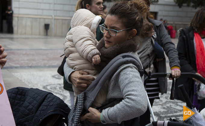 concentracion a favor de las madres en la plaza del carmen Foto Antonio L Juarez -9872