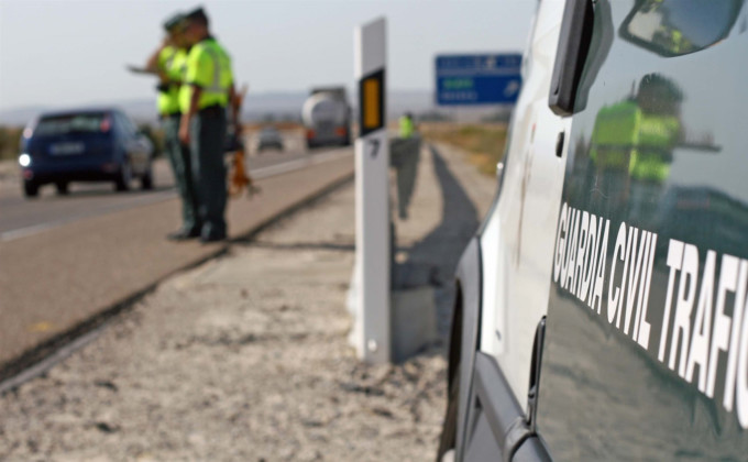 guardia civil de trafico carretera control