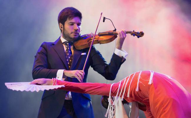 paco-montalvo-violin-corazón-flamenco-baile-foto-arte-disco