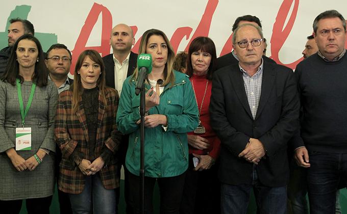 La secretaria general del PSOE-A y candidata a la reelección como presidenta de la Junta, Susana Díaz, en rueda de prensa