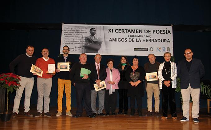 GALARDONADOS ACTO ENTREGA PREMIOS CERTAMEN POESIA AMIGOS LA HERRADURA 17