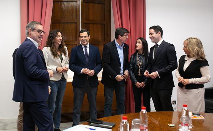 Reunión de representantes de PP-A y Ciudadanos en el marco de la negociación del gobierno para Andalucía. Juan Marín y Juanma Moreno.