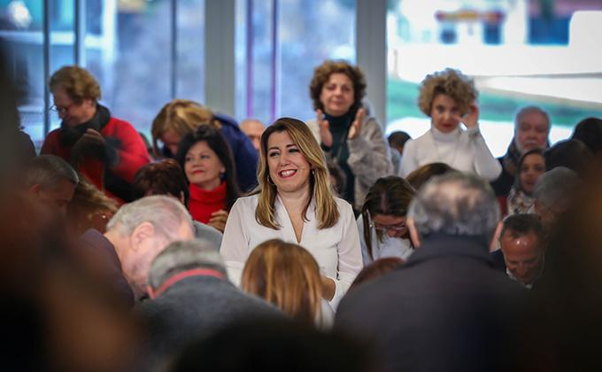 La secretaria general del PSOE-A, Susana Díaz, interviene en un encuentro con mujeres.