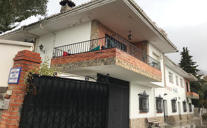 casa proyecto hombre huetor santillan