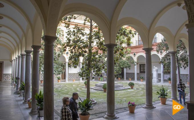 Ayuntamiento patio granada