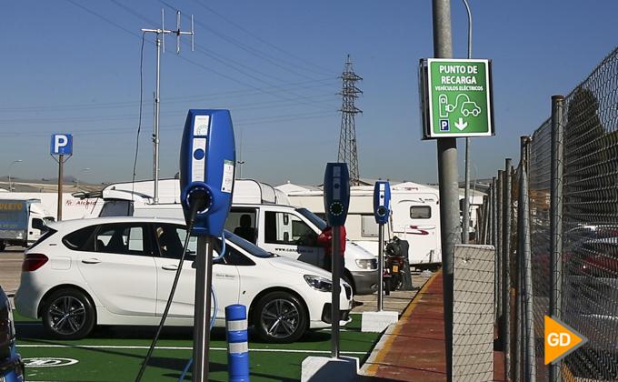 Granada estrena una estación de recarga para vehículos eléctricos-3
