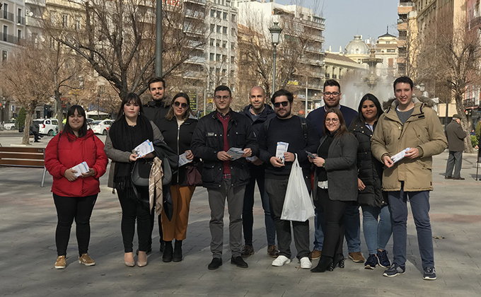 Rafael Caracuel junto a jóvenes de NNGG Granada 19.2.19