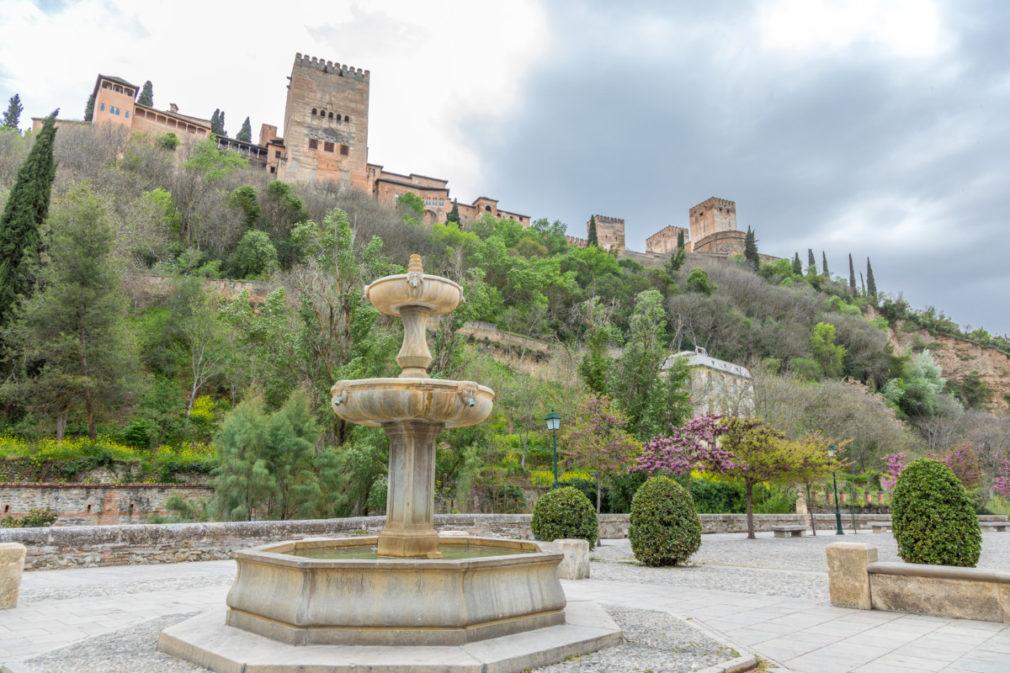 L'Alhambra de Grenade depuis le paseo del Padre Manjón