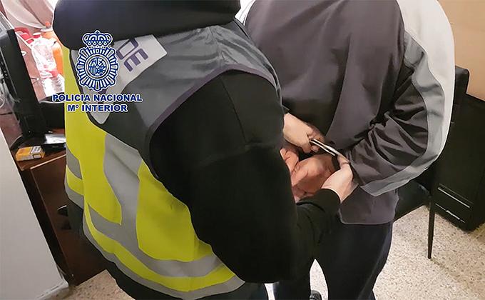Detenido-Proxeneta-Policía