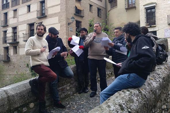 El Día Mundial de la Poesía llena Granada de versos