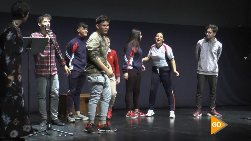Una compañía de teatro acerca los versos del Siglo de Oro a estudiantes a través del rap