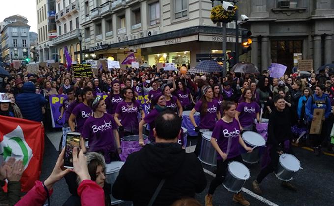 manifestacion dia mujer batucada-8-m-puerta-real
