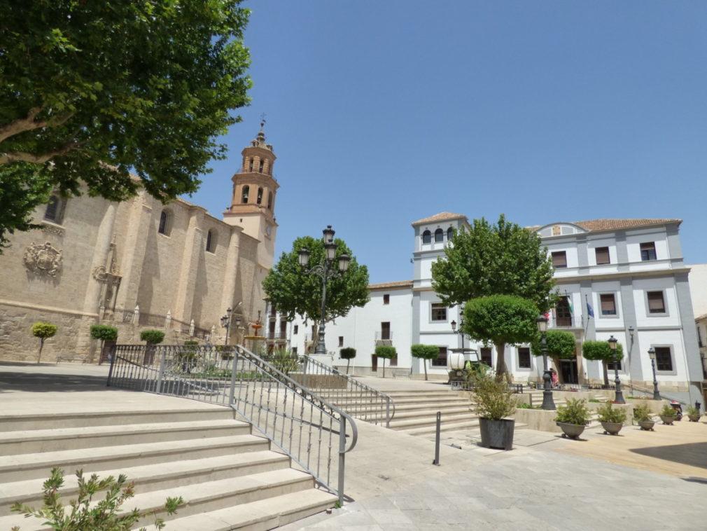 Baza es una ciudad y municipio español situado en el noreste de la provincia de Granada, en la comunidad autónoma de Andalucía