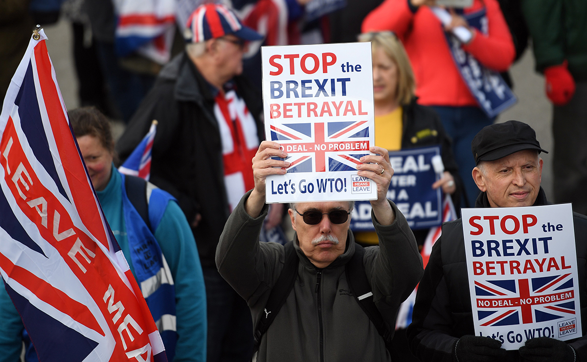 "23 March 2019, England, Nottingham: People take part in the ""March to Leave"" demonstration, which moves from Nottingham to London and ends on 29 March with a major demonstration in front of Parliament. Photo: Joe Giddens/PA Wire/dpa"