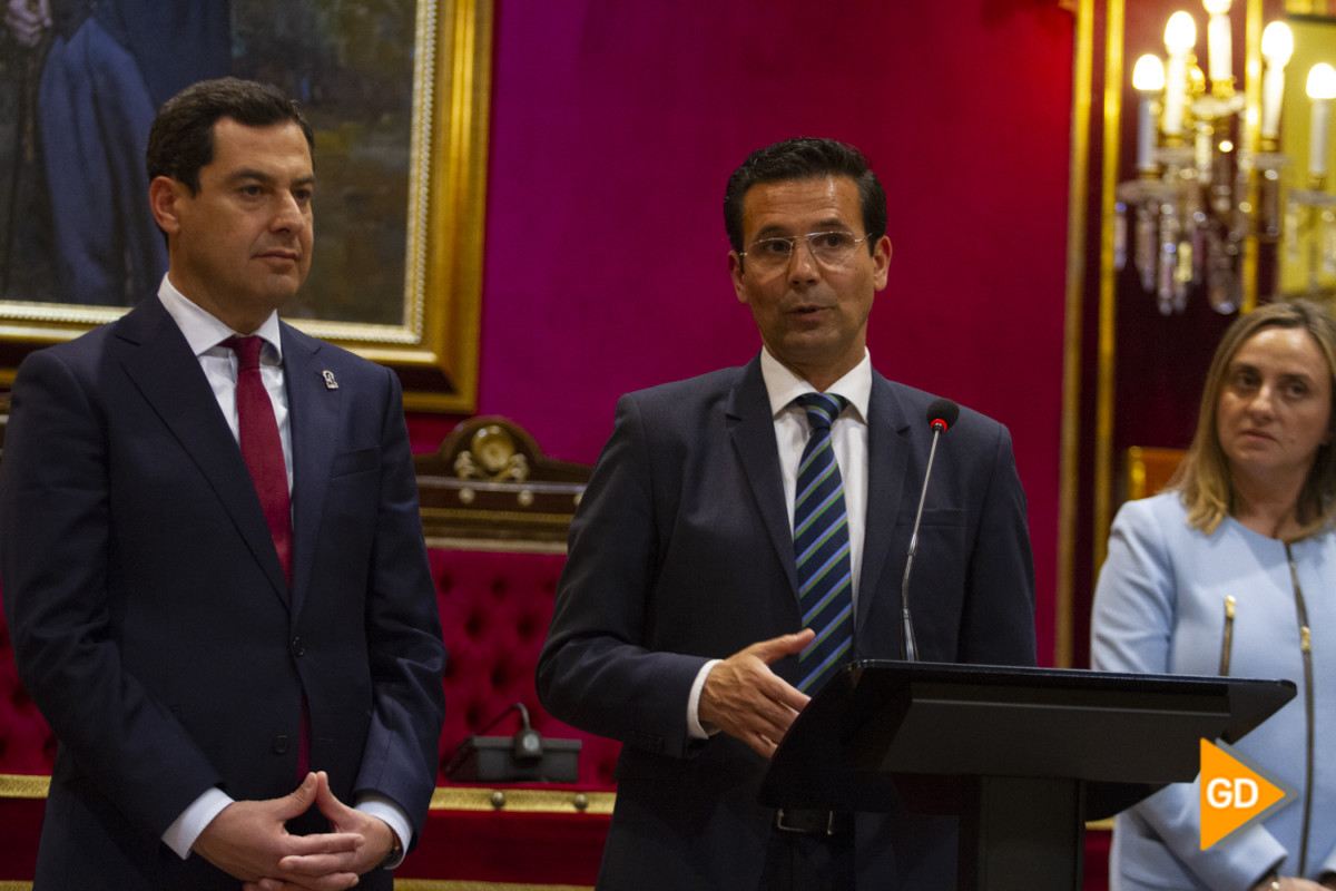 encuentro de Paco Cuenca y Juanma Moreno Foto Antonio L Juarez-5608