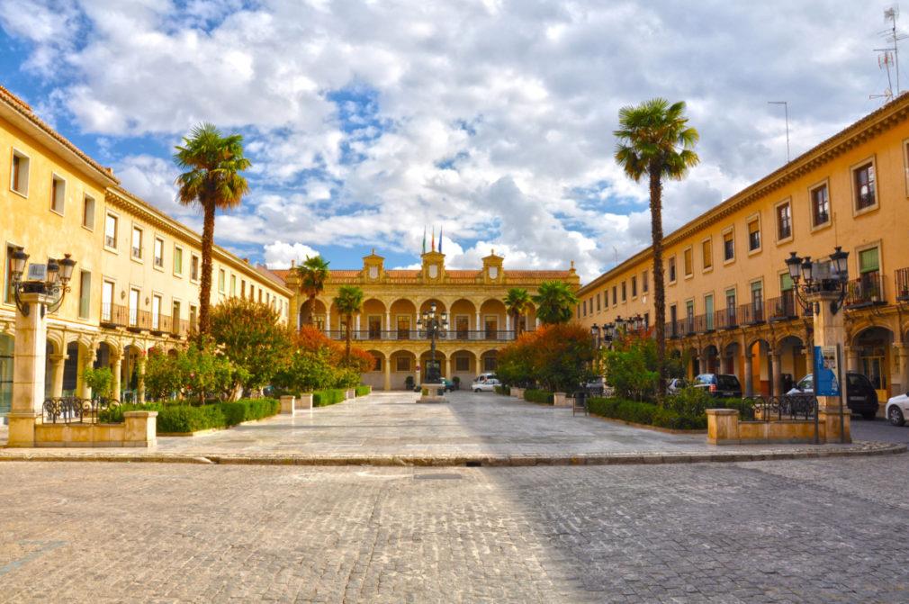 Ayuntamiento de Guadix, Plaza de la Constitución, Andalucía, turismo andaluz, España