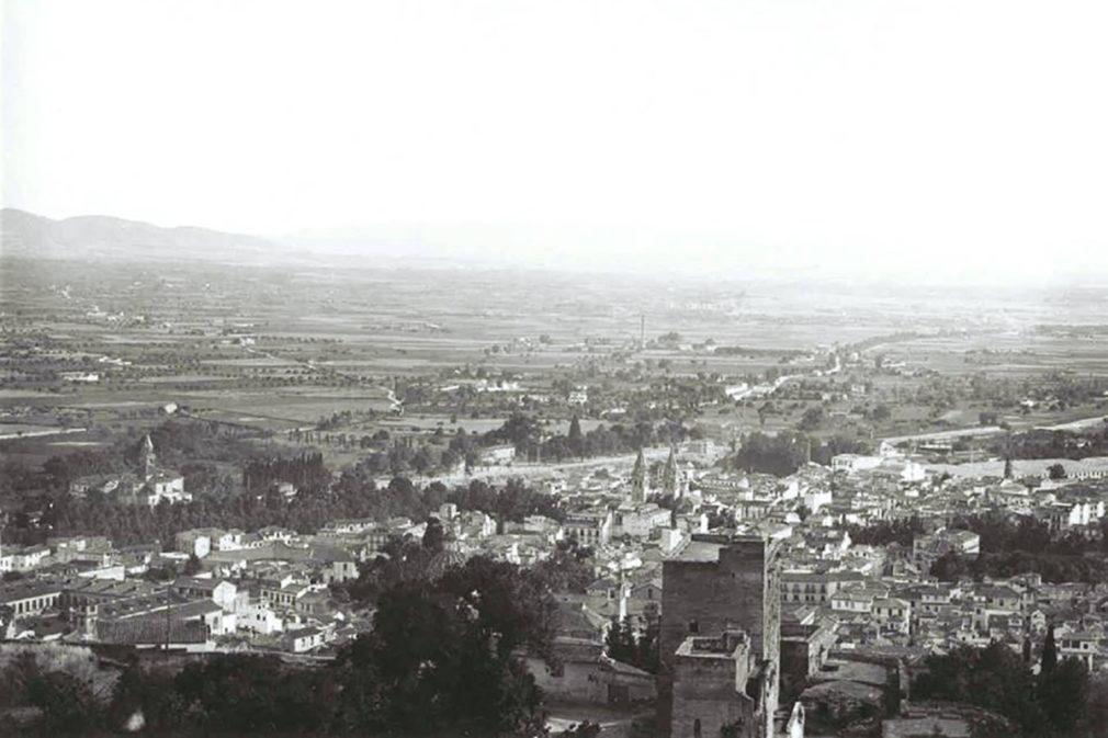 1) Granada en los años 30 desde la Torre de la Vela