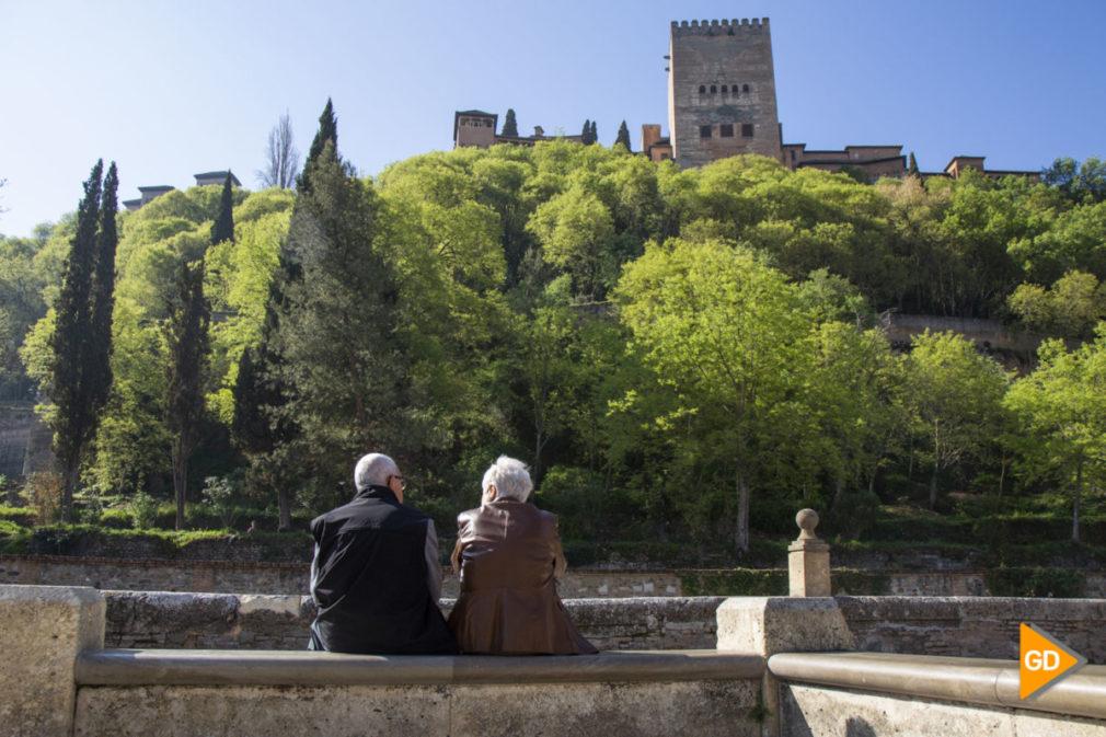 Primavera granada alhambra flores darro paseo tristes plaza nueva turismo buen tiempo-7