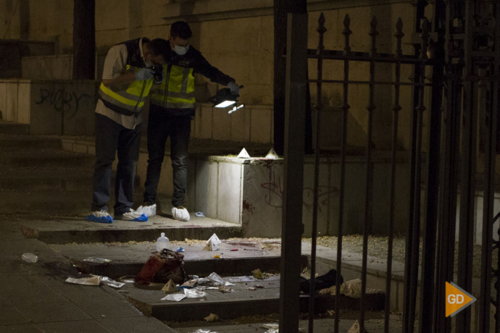 Apuntalamiento de una mujer por su expareja en la plaza de la Libertad en Granada