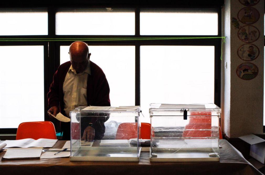 Elecciones_mesa_hombre_2019-26M