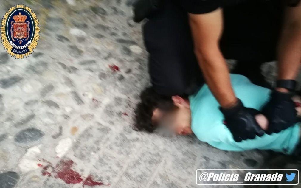 Policía Local de Granada detiene al presunto agresor de una mujer apuñalada