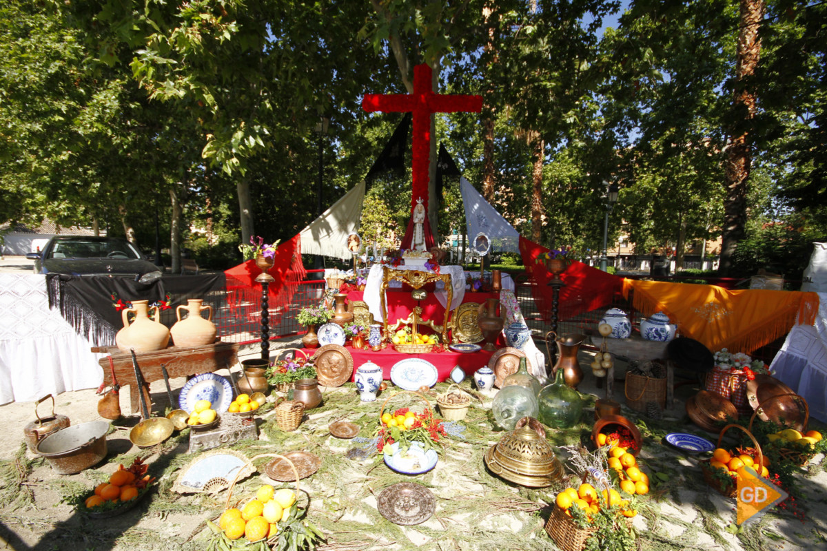 Cruces de mayo en Granada