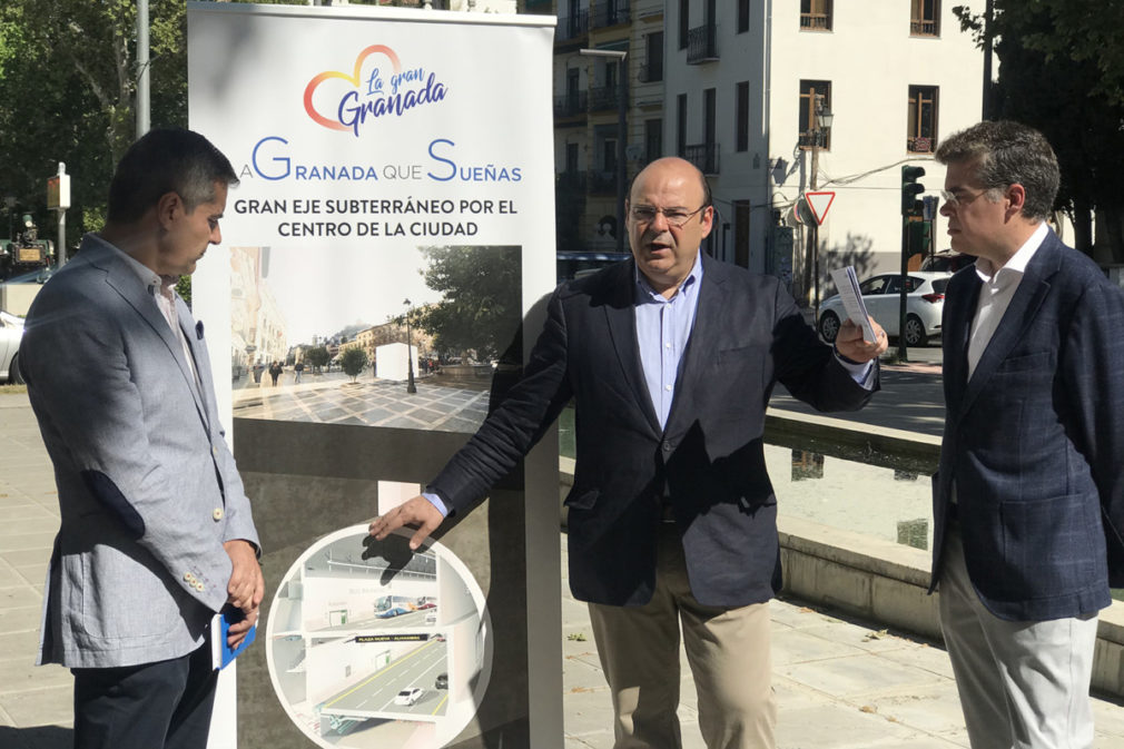 Sebastián Pérez junto a César Díaz y el senador del PP Vicente Azpitarte 10.5.19