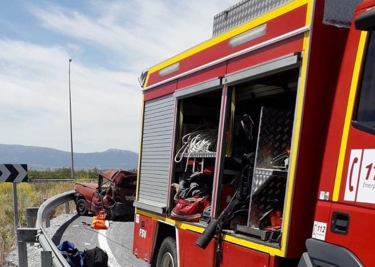 Camión de Bomberos desplazado a un accidente de tráfico mortal