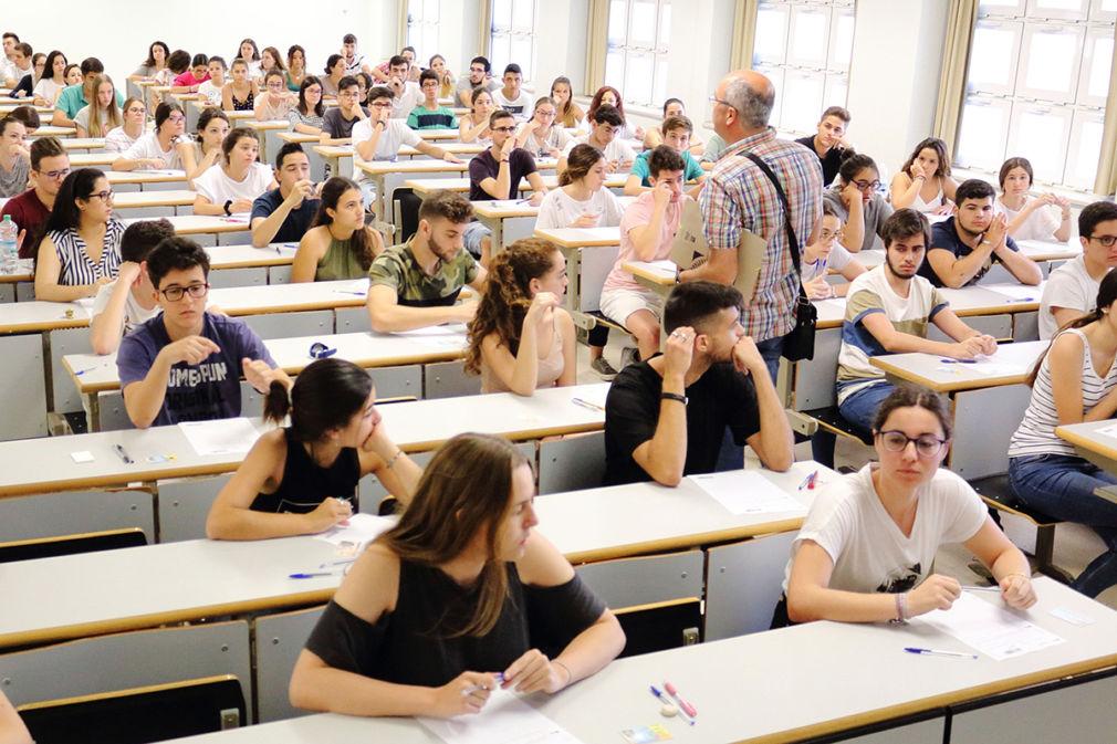 ANDALUCÍA.-Sevilla.-Más de 1.200 estudiantes de 29 centros de Sevilla y provincia se examinan de la Selectividad en la UPO