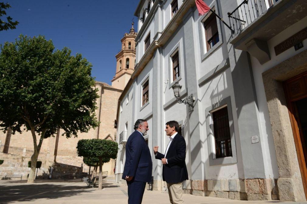 EuropaPress_2287694_Visita_del_delegado_de_la_Junta_a_Baza