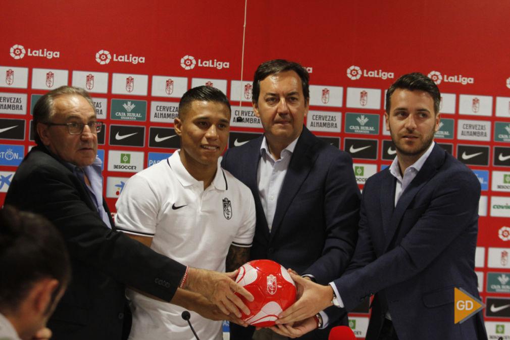 Presentación de Darwin Machis como nuevo jugador del Granada CF