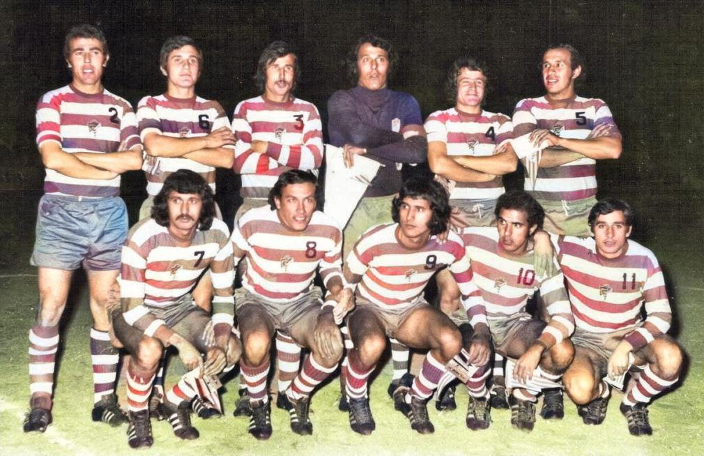 4) Toni, Pla, Calera, Ñito, Cabrera y Fernández_ con Escobar, Cabral, Maciel, Santi y Martín. Amistoso nocturno en Antequera en febrero de 1974 (1)