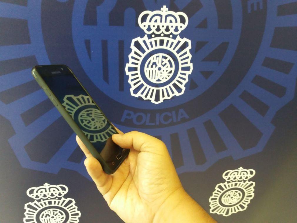 ANDALUCÍA.-Granada.- Sucesos.- La Policía Nacional investiga a una mujer por quedarse con un teléfono móvil que se encontró